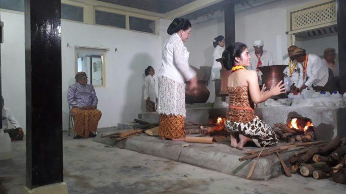 Kapolda Jateng Hadiri Tradisi Adang Tahun Dal di Keraton Solo - tribratanews.surakarta.jateng.polri.go.id